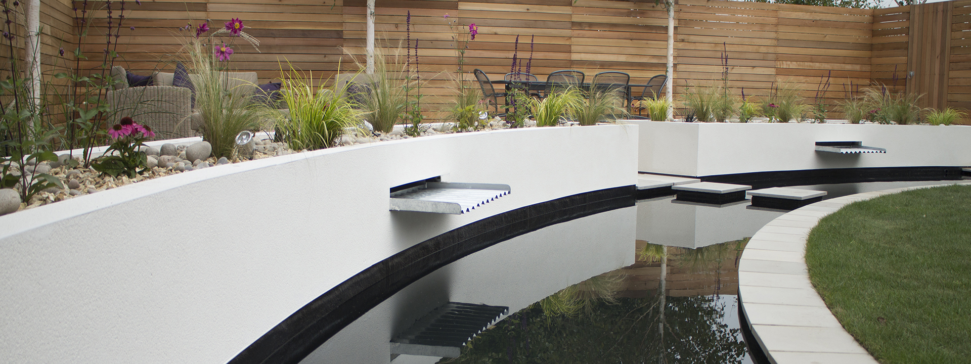 Funky and Contemporary Garden Design
