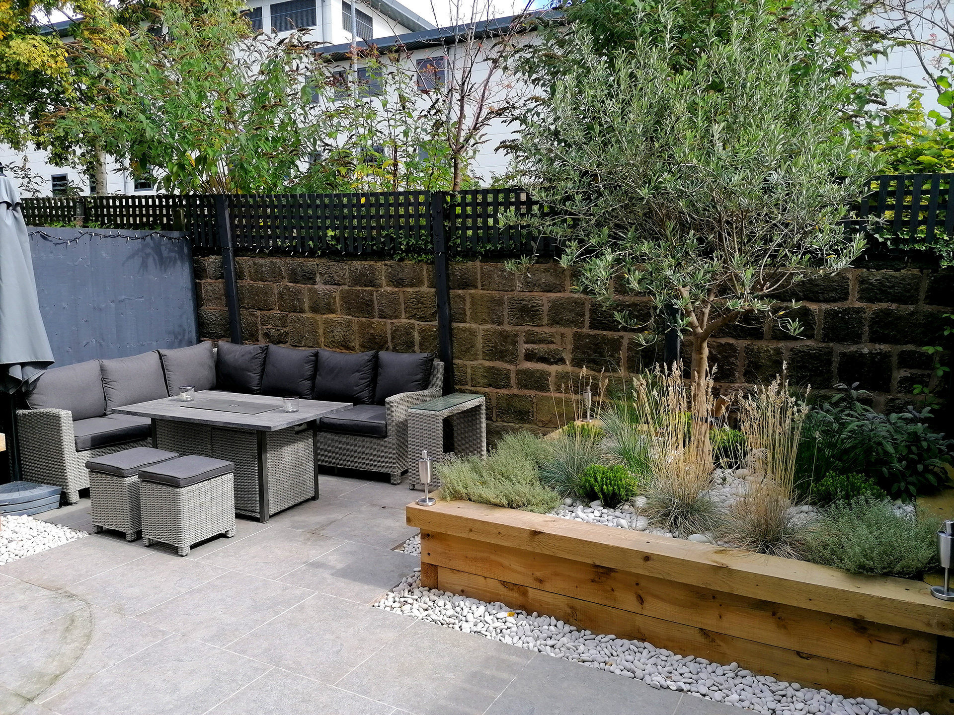 Garden design Otley Yorkshire Gardens raised beds porcelain paving